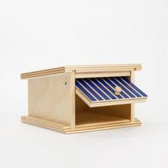 Holzgarage von Beck Tor offen