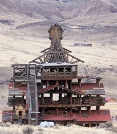 """Smith Mansion """"The Crazy House"""" in Wapiti Valley, Wyoming"""