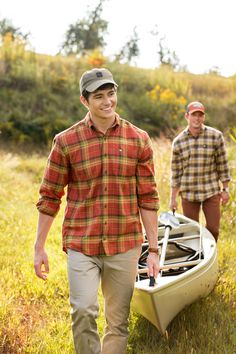 Trendy Fall Outfits Ideas For Guys Trendy Fall Outfits, Winter Outfits Men, Guy Outfits, Frat Style, Men's Style, Southern Outfits, Southern Mens Style, Southern Shirt, Mens Outdoor Clothing