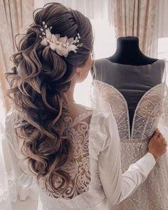 Bridal Hair Half Up Half Down, Half Up Wedding Hair, Wedding Hairstyles Half Up Half Down, Curly Wedding Hair, Long Hair Wedding Styles, Long Hair Styles, Bride Hairstyles For Long Hair, Elegant Hairstyles, Romantic Wedding Hairstyles
