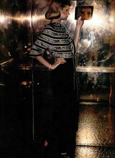 Leonard. L'Officiel magazine 1976 70s Fashion, Vintage Fashion, Leonard Paris, Vintage Glamour, 1970s, High Neck Dress, Stylish, Dressings, Model