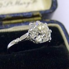 gorgeous vintage engagement ring..one day :)