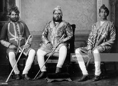 The Maharajah of Bharatpur with his sons. Common People, World Photography, Blue Bloods, African Countries, Titanic, Sons, Men Fashion, Royals, Casual Outfits