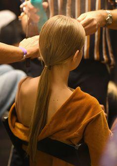 Gigi Hadid, New York Fashion, Backstage, Trends, Sleek Look, Models, Elegant, Fashion Show, Backless