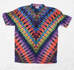 Tie Dye V Style  T-Shirt Symmetrical Psychedelic Shirt Size L by OtdelMaljaraTieDye on Etsy