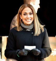 Fashion Beauty, Women's Fashion, Leather Gloves, Jennifer Lopez, Candid, Celebs, Beautiful, Celebrities, Celebrity
