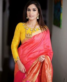 Full sleeves blouse designs look really nice and it doesn't matter what body type you have. Here we've compiled these latest long saree blouse designs that you can try with your lehenga, sare… Blouse Back Neck Designs, Silk Saree Blouse Designs, Saree Blouse Patterns, Fancy Blouse Designs, Blouse Designs Wedding, Designer Saree Blouses, Indian Blouse Designs, Pink Saree Blouse, Traditional Blouse Designs