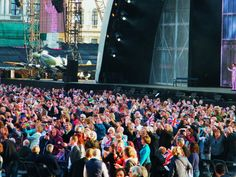 Trying to break the World Record for number of selfies taken at one time. V.E. Day 70th Anniversary Concert. ©Come Step Back In Time