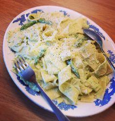 Asparagus pasta Asparagus Pasta, Fast And Furious, Family Meals, Recipes, Food, Recipies, Essen, Meals, Ripped Recipes