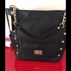NWT MK Delancy Black Large Tote Beautiful Extra Large Tote by Michael Kors. New shipped quickly to your door. With dust bag. 6 X 12.5 X 7 Michael Kors Bags Totes