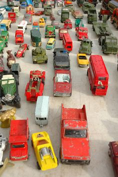 'car' boot sale by dreamerweaver, via Flickr