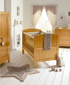 Hayworth Cot/Toddler Bed - Vintage Pine - Light Wood Finishes - Mamas & Papas