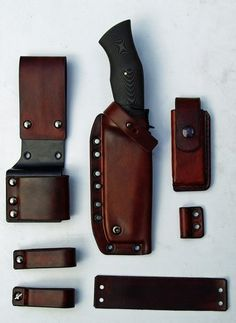 Beautiful Leather Sheaths by Martin Sheaths Make one for Erik's knife. Cool Knives, Knives And Tools, Knives And Swords, Leather Holster, Leather Tooling, Edc, Knife Sheath, Leather Pattern, Kydex