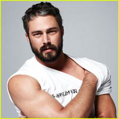 Taylor Kinney seriously the sexiest man in the whole world!