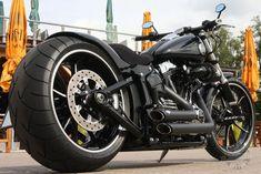 Harley-Davidson FXSB Breakout Umbau | Thunderbike Customs