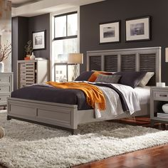 Hyde Park Wood Fret Panel Bed in Grey by Aspenhome | Humble Abode