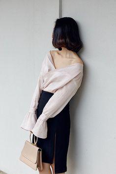 "Size + Fit: - Crop sleeved, side buttons, cross front V neck - US Size: S-2 / M-4 - EUR Size: S-34 / M-36 - Length: 23.6"" / 60cm (front), 21.3"" / 54cm (back) - Bust: 38.6"" / 98cm - Model is wearing si"