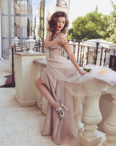 Princess dresses photoshoot long pink beige nude elegant classy ideas inspiration|  Фотосессия в платье принцессы Одесса, Украина #princessdress #photoshoot #princessphotoshoot  new years eve outfit ideas Gatsby Style, Bridesmaid Dresses, Wedding Dresses, Manhattan, Fairy, Photoshoot, Urban, Princess, Studio