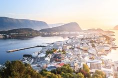 Alesund, Photo by Andres Nieto Porras. Best Places To Live, Great Places, Beautiful Places, Beautiful Pictures, Places To Visit, Amazing Places, Alesund, Countries To Visit, Cool Countries