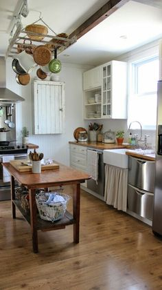 The 9 Must Have Elements of a Farmhouse Kitchen !  My Rustic Farmhouse