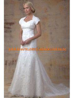 Schönste Brautkleider für Mollige aus Spitze
