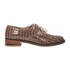 Pre-Owned Tan Robert Clergerie Laser Cut Oxfords ($275) ❤ liked on Polyvore featuring men's fashion, men's shoes, men's oxfords, brown, mens round toe shoes, mens tan oxford shoes, mens tan shoes, mens brown oxford shoes and mens lace up shoes