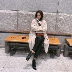 Kwon Yuri, Snsd, Nayeon, Girls Generation, Street Style, Coat, Jackets, Instagram, Bias Wrecker