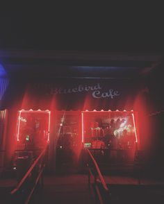 #covernashville #bluebirdcafe #bluebird #thebluebird #cafe #greenhills #shoppingmall #nashville #music #venue #writersnight