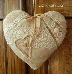 I have design these Quilted Hearts. I haven& pattern. Many has asked if I sell my quilts, but I am sorry but I don& sell them. Quilting i. Valentine Wreath, Valentine Heart, Valentine Crafts, Christmas Crafts, Vintage Bunting, Patchwork Heart, Fabric Hearts, I Love Heart, Sewing Baskets