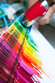 Back To School DIY: Melted Crayons on Canvas   Ever since I saw a heart-shaped rainbow made from melted crayons, I've been dying to know how it was done. Keeping this for future kids' room art!