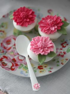 Little Big Company | The Blog: Spring Time Themed Table with beautiful birds and floral sweet treats by Cupcake