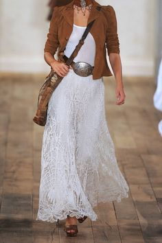 Always sold on Ralph Lauren& Boho Vibe. - Always sold on Ralph Lauren& Boho Vibe… Source by - Gypsy Style, Boho Gypsy, Bohemian Style, Hippie Style, White Bohemian, Bohemian Skirt, Fashion Mode, Look Fashion, Womens Fashion