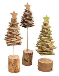 Your kitchen needs to be one of the cleanest areas in your house. Cardboard Christmas Tree, Diy Christmas Ornaments, Xmas Tree, Kids Christmas, Diy And Crafts, Crafts For Kids, Christmas Tree Decorations, Kitchen Cleaning, Cleaning Hacks