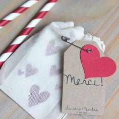 Tatouages cœur, en cadeau pour les invités  TATTYOO La mariée aux pieds nus