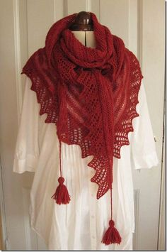 A modern version of traditional Danish shawls (herning, Jutland):   Camomille from Amimono Knit Collection 2010  Designer: Helga Isager inspired by Åse Lund Jensen.