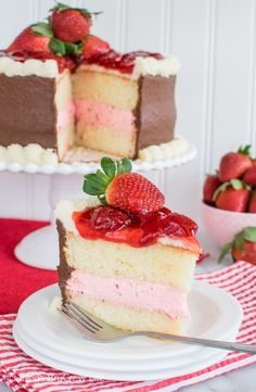Strawberry, vanilla, and chocolate layers will turn this Strawberry Mousse Cake into a new family favorite recipe. It is an easy dessert for sharing! Funnel Cakes, Cake Filling Recipes, Cake Recipes, Vanilla Mousse Cake Filling Recipe, Biscotti, Strawberry Mousse Cake, Strawberry Filling, Strawberry Desserts, Strawberry Shortcake