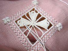 biscornu in openwork with beautiful needle lace - very pretty - full tutorial includes video