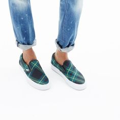 hint, hint – these Vans® & Madewell slip-on sneakers are on my wishlist (+ winning a trip for two to Paris from Madewell). more info here: http://mwell.co/giftwellsweeps #giftwell #sweeps