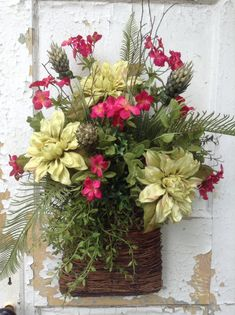 Summer floral wreath for door, summer rustic wreath, rustic summer basket for door, summer floral wall basket, summer floral arrangement Door Wreaths, Grapevine Wreath, Summer Wreath, Spring Wreaths, Winter Wreaths, Baskets On Wall, Wall Basket, Gras, Floral Wall
