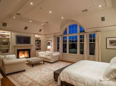 Master bedroom sitting area ideas a beautiful bed armchairs to relax and cozy fireplace is what decorating Master Bedroom Layout, Dream Master Bedroom, Bedroom Layouts, Bedroom Ideas, Bedroom Photos, Large Bedroom Layout, Master Master, Bedroom Fireplace, Cozy Fireplace