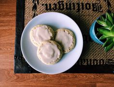 An easy, delicious new take on a classic cookie: Earl Grey Snickerdoodles! Hold the cinnamon, add some tea! Earl Gray, Avocado Egg, Cucumber, Cookies, Tea, Cookie Monster, Vegetables, Breakfast, Classic