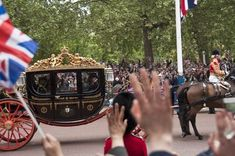 The royal wedding in London, April 2011 Meghan Markle, Prince Harry, Windsor, Wax Statue, British Royal Families, Prince William And Catherine, Royal Guard, Horse Carriage, Prince Phillip