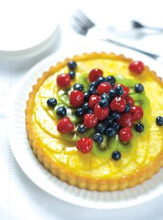 Tart & Pie Recipes: Learn How to Bake Delicious Pies - page 3 Desserts Français, Delicious Desserts, Summer Desserts, Summer Recipes, Yummy Food, Tart Recipes, Best Dessert Recipes, Sweet Recipes, Fruit Flan