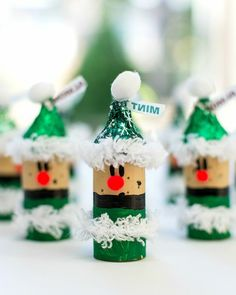 11 Christmas Wine Cork Crafts You Need to DIY ASAP - - These 11 Christmas Wine Cork Crafts Are DIYs You Don't Wanna Miss! From decor to gift labels, who knew cork screws were so useful? Kids Crafts, Christmas Crafts For Kids, Christmas Projects, Holiday Crafts, Kids Diy, Halloween Crafts, Easy Crafts, Childrens Christmas, Food Crafts