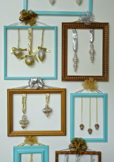 This post is all about unique ideas for displaying ornaments and I have two cute ideas: using a rustic ladder for a casual ornament display and framing beautiful ornaments as holiday wall art. Christmas Booth, Modern Christmas Ornaments, Christmas Frames, Christmas Diy, Christmas Decorations, Holiday Decorating, Decorating Ideas, Simple Christmas, Craft Ideas