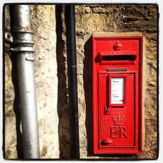 Oxfordshire postbox Post Box, Royal Mail, Geography, Genealogy, Oxford, Lettering, Instagram, Mailbox, Oxfords