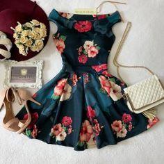 Vestido NEOPRENE Ombro à Ombro Laiane ( Estampa Arabescos/Rosas)