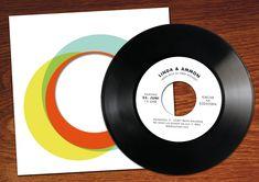 Vinyl, Upcycling Design, Cool Stuff, Wedding Invitations, Vinyl Records, Photograph Album, Wedding Invitation Cards, Wedding Stationery, Wedding Announcements