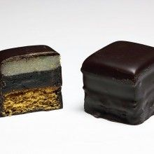 Fruit-flavored gel, chocolate, and marzipan are the main ingredient of this holiday favorite. The Dominostein was a created by Dresden native Herbert Wendler in Domino Cookie Recipe, Cookie Recipes, Christmas Goodies, Christmas Treats, Merry Christmas, Xmas, German Christmas Traditions, Swiss Recipes, Honey Cake