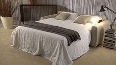 Il divano letto Federica è un divano moderno che si trasforma facilmente in comodo letto ortopedico - Federica is a modern sofa you can easily transform in a confortable bed